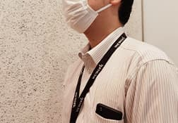 お客様に安心してご案内、ご商談 を受けて頂けるよう、社員全員 マスク・手袋を着用を徹底して おります。