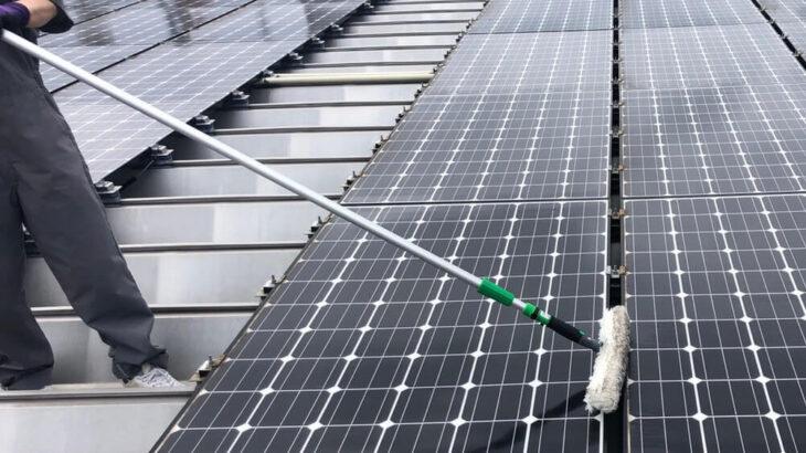 太陽光パネルの効果的な洗浄方法は?時期やタイミングもご紹介します