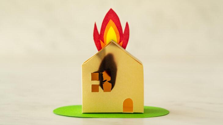太陽光発電で多発する「火災」を予防しよう!対策や保険についても詳しく解説