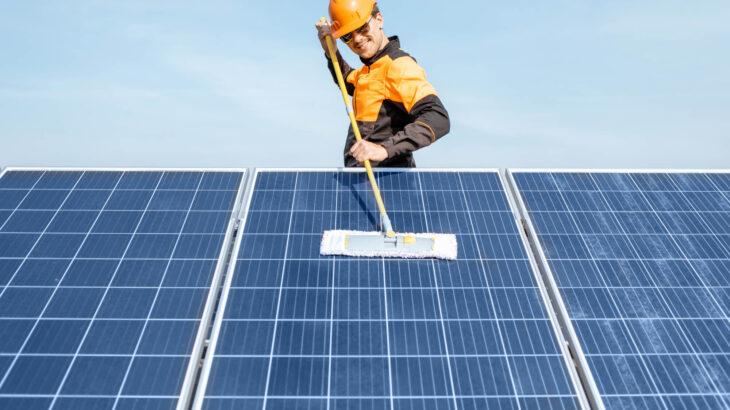 太陽光パネルの洗浄は必須!洗浄価格や専門業者に依頼するメリットも解説