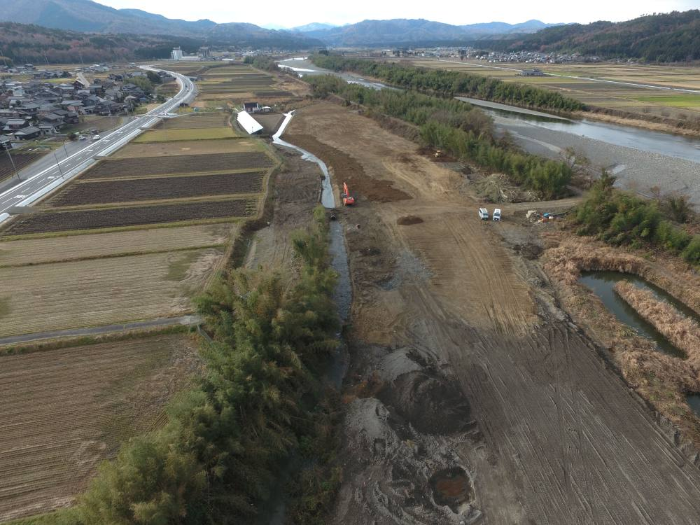 実績・評判口コミ画像04-滋賀県高島市 ・太陽光発電用地造成 ・用悪水路改修工事