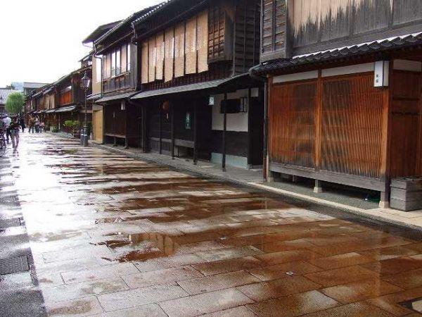 世界中を駆け巡る、日本の知恵袋