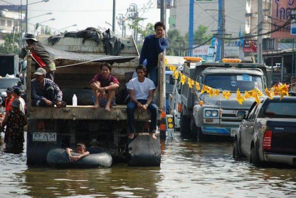 いつまで続くのかタイの洪水被害。他人事とは思えません